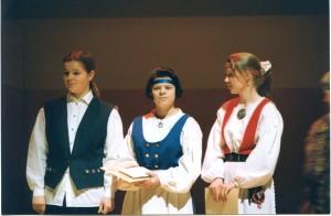 1993-Vuoden-nuori-viulupelimanni-kilpailu.-Alle-15-vuotta-sarja-Valtteri-Valo-Hanna-Aitta-aho-Päivi-Hirvonen-Virpi-Nikkanen.-Kuva-Markku-Lepistö